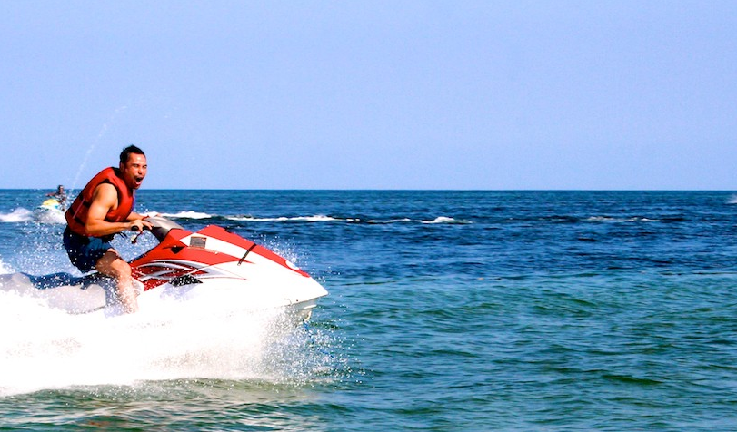 Jet ski in tanjung benoa bali man in action 2