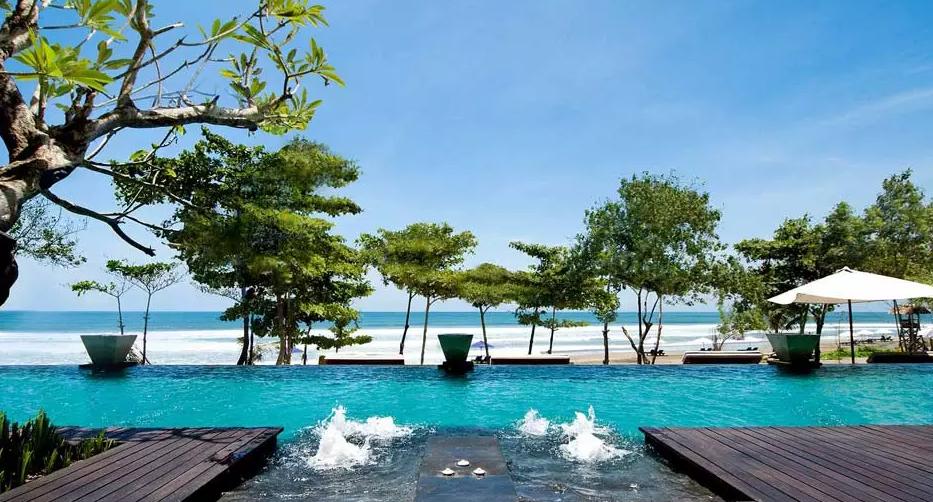 Resort Anantara Seminyak swimming pool