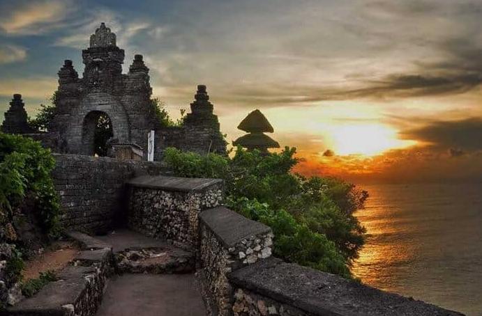 Sunset Uluwatu Temple Bali