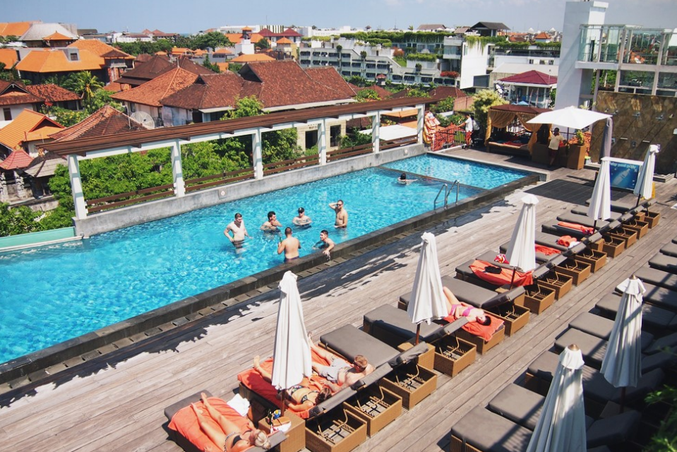 The one Legian Bali Hotelswimming pool