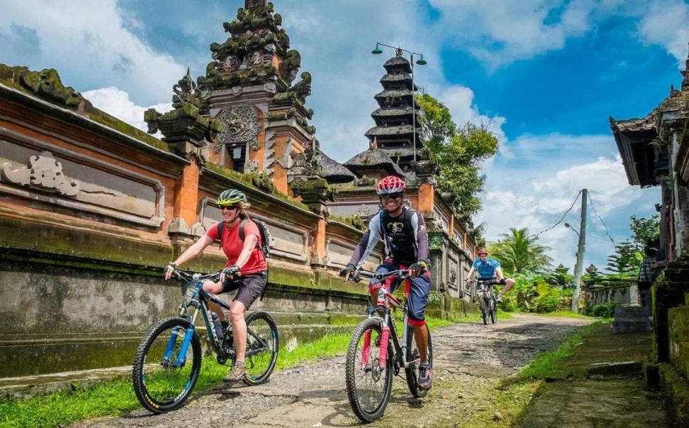 Volcano Mountain Bike Tour Bali 3 person