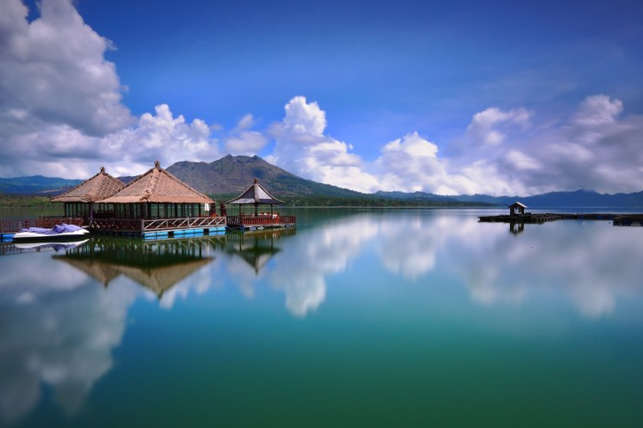 the floating resto of Kintamani