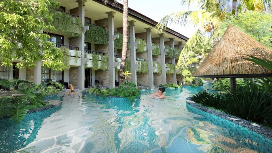 Bali Dynasty Resort Hotel Swimming pool