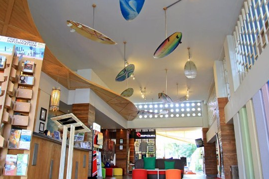 Bliss Surfer hotel at Legian loby 2