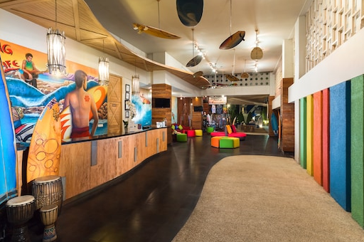 Bliss Surfer hotel at Legian loby