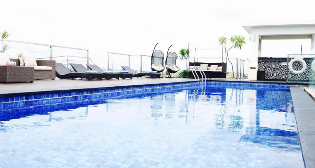 Hotel Zia Bali Seminyak rooftop swimming pool
