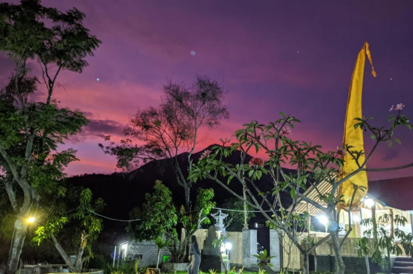 Lakeside Cottages Kintamani night