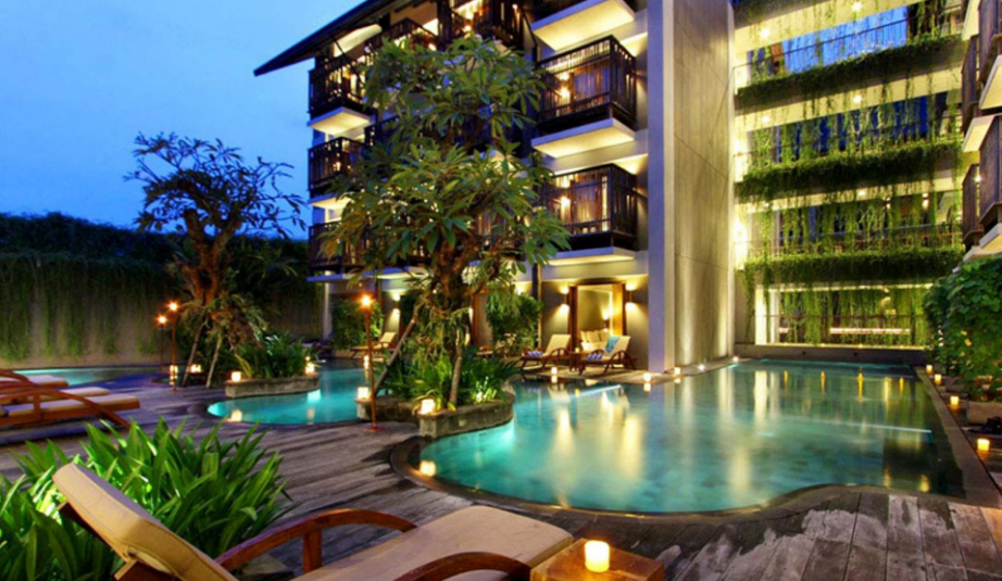 Oasis Lagoon Sanur swimming pool night