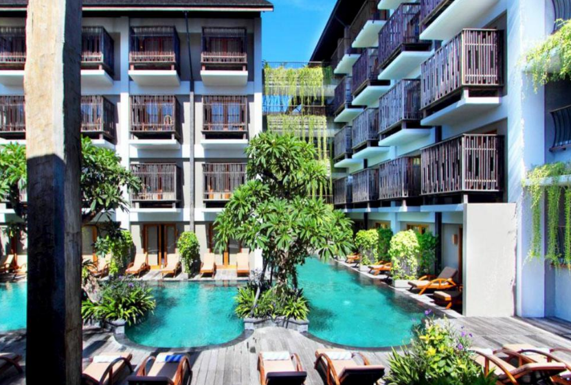 Oasis Lagoon Sanur swimming pool