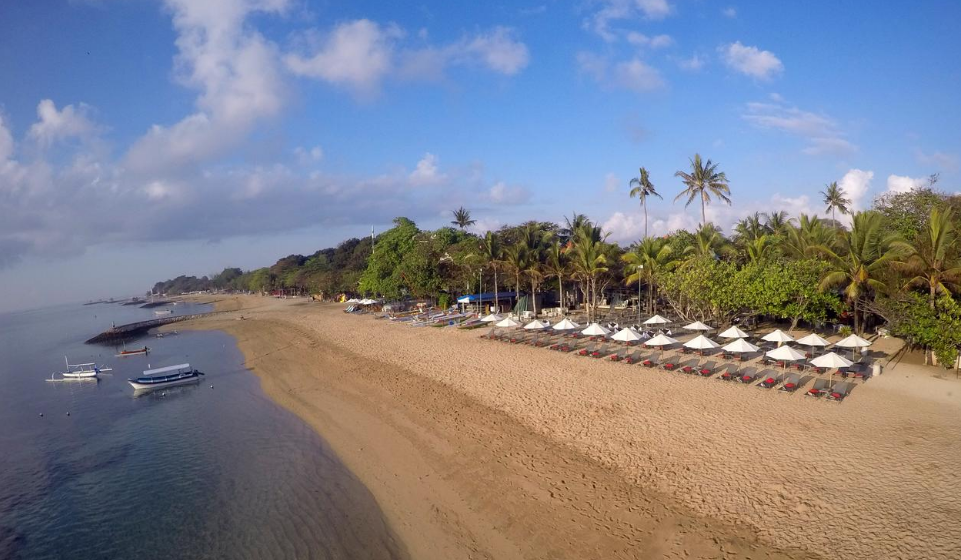 Segara Village Hotel beach