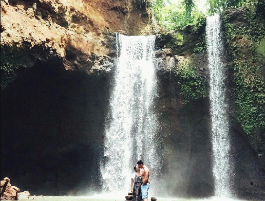 Tibumana Waterfall couple