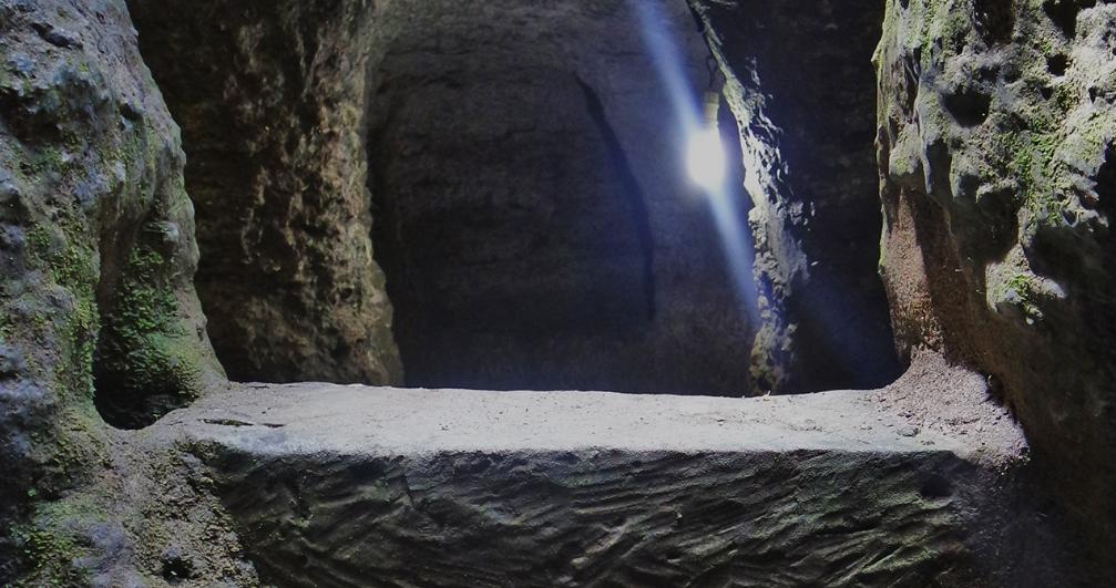 cave Gala-Gala Underground House Nusa Lembongan