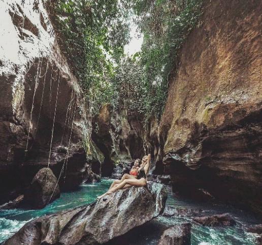 hidden Canyon Beji Guwang Sukawati grils