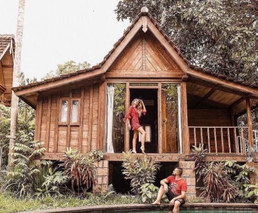 hotel Jungle room Canggu man and woman