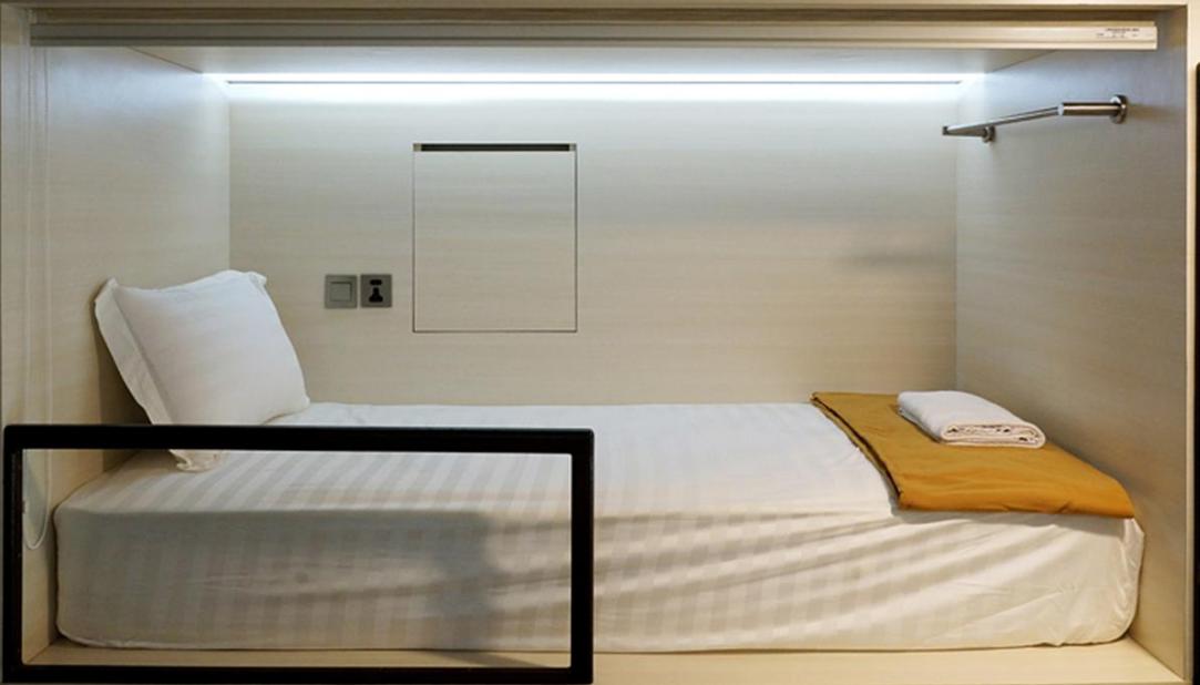Bad Amazing cabin hotel capsule