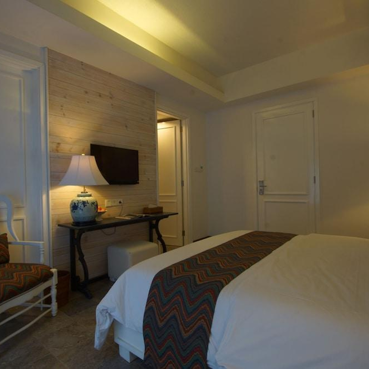 Hotel Summerhome Umasari seminyak bali bed room