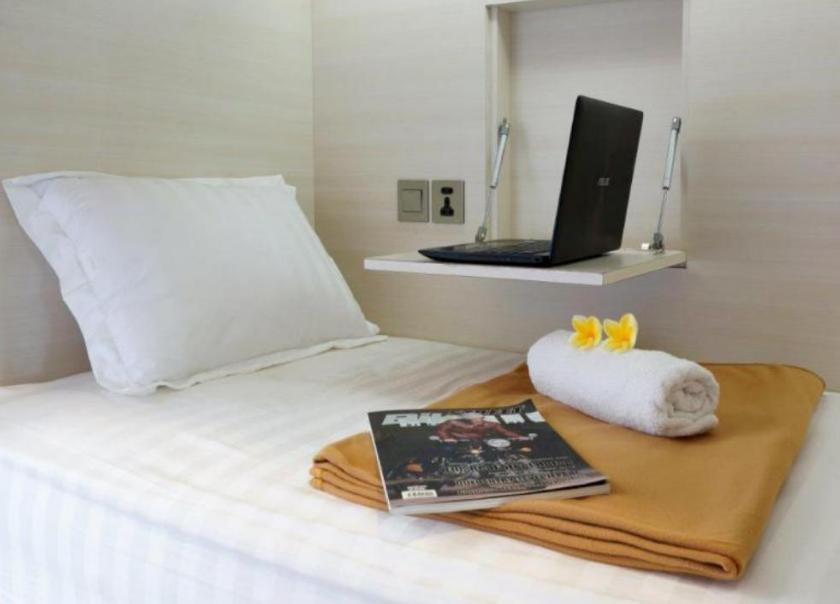 Room Amazing cabin hotel capsule