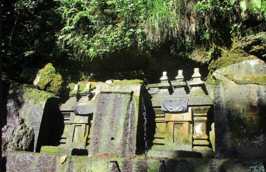Temple Tegallinggah Blahbatuh Bali