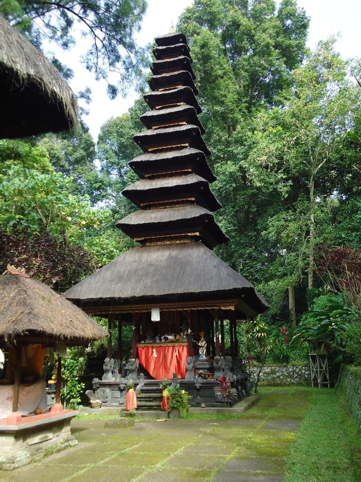 Temple-luhur-besikalung-bali. 2
