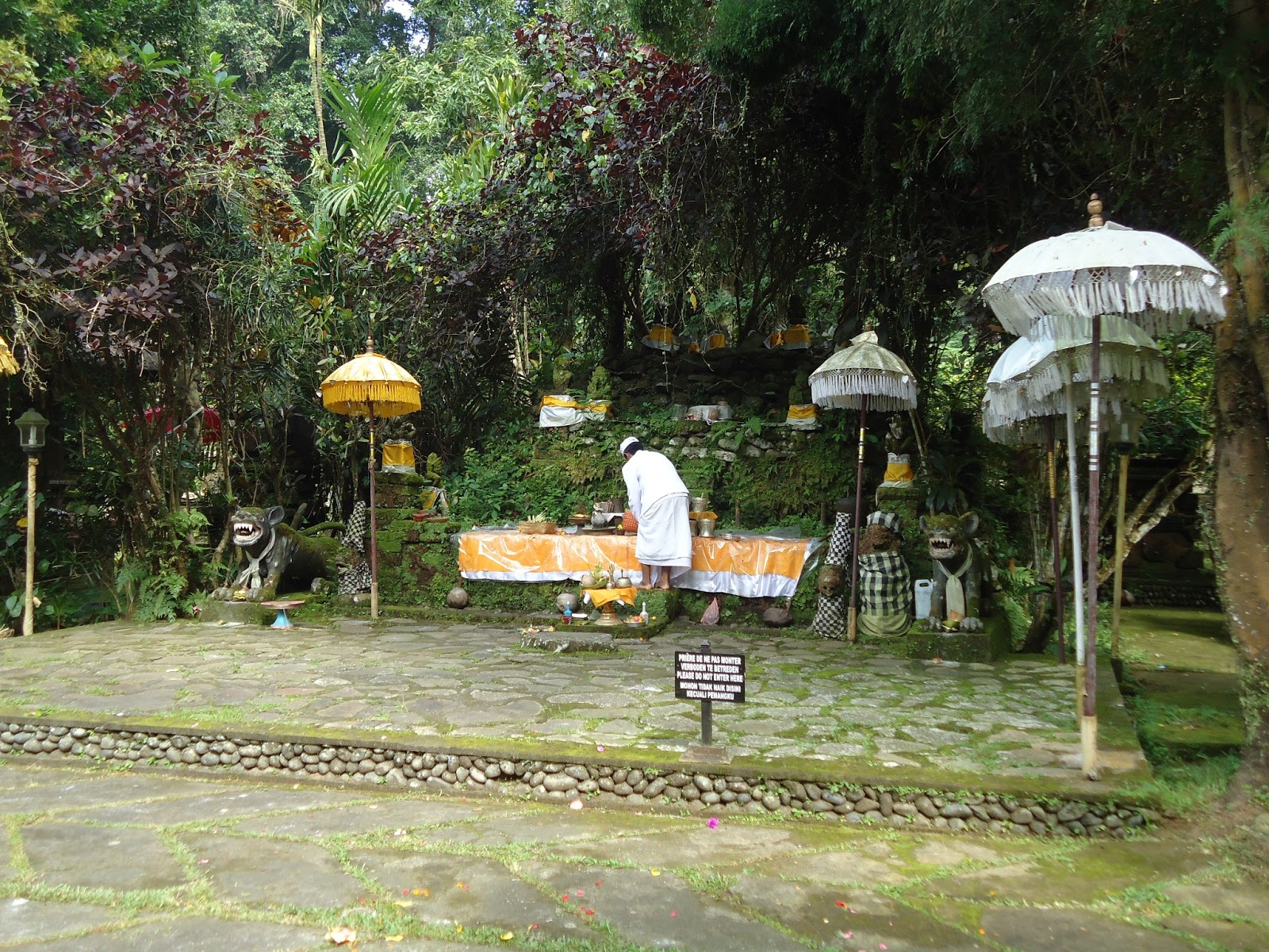 Temple-luhur-besikalung-bali
