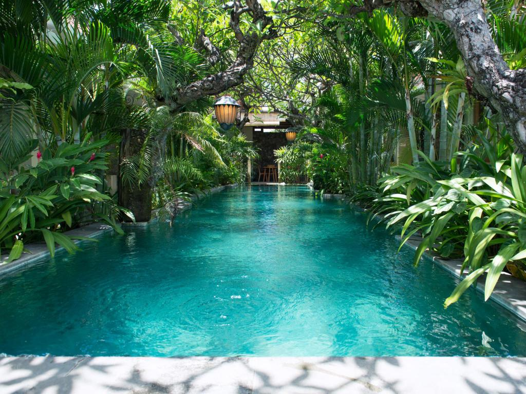 uma karan hotel seminyak bali swimming pool 3