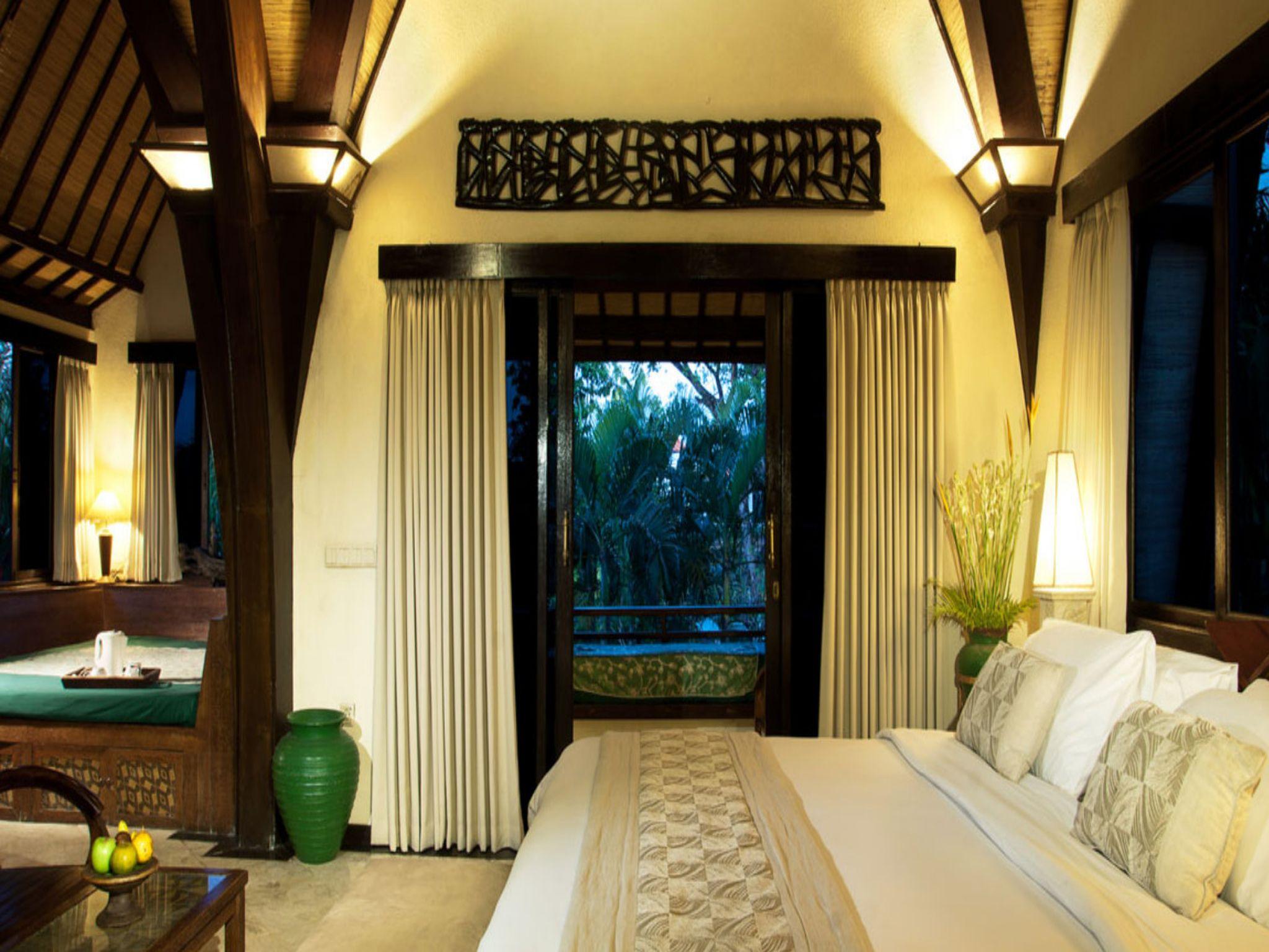 villa lumbung hotel seminyak bali bed room 2