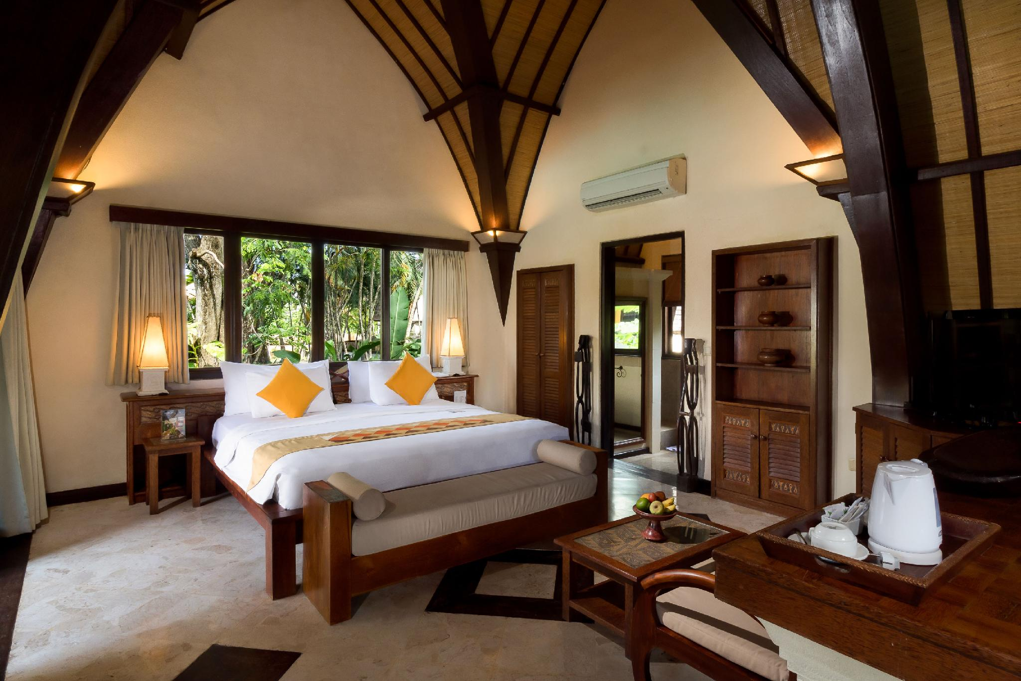villa lumbung hotel seminyak bali bed room 3