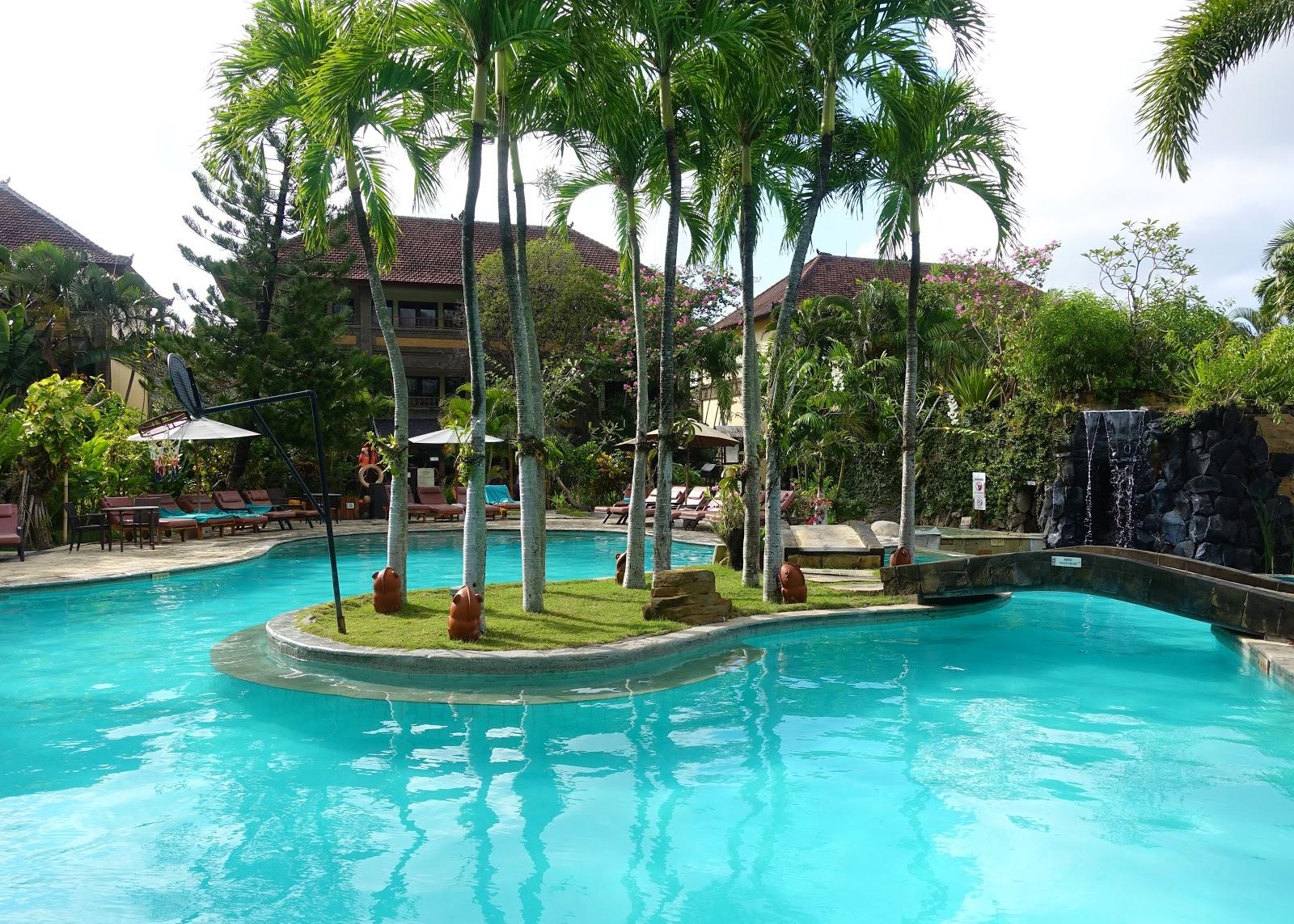 villa lumbung hotel seminyak bali swimmingpool 2