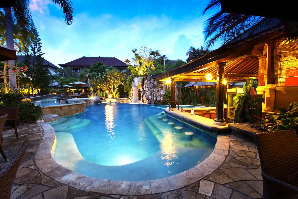villa lumbung hotel seminyak bali swimmingpool