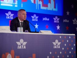Airline association boss Willie Walsh slams ongoing PCR testing 'rip-off'